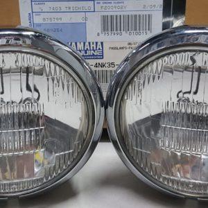 Porta targa Yamaha Tmax 560 originale staffa per alloggiare il catadiottro luce della targa a LED omologata